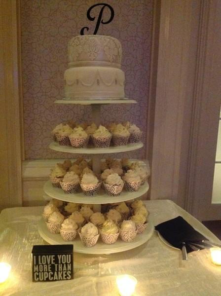 600x600 1446213180579 cupcake cake tower