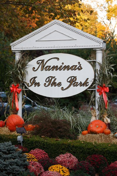 1364493662664 NaninasintheParkFall Belleville wedding venue