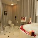 130x130 sq 1375886681041 bathroom