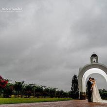 220x220 sq 1510255168 505cdb161b3e2b5f bride and groom