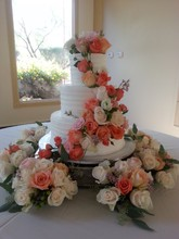 220x220 1450116585546 1450116449252 bamboo bakery wedding cake