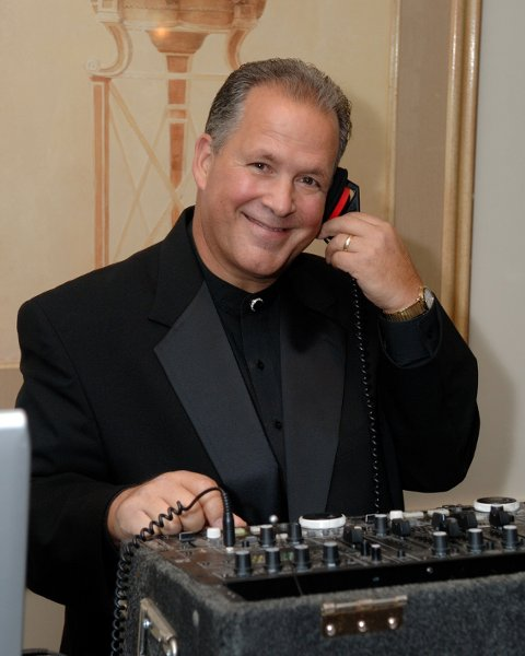photo 2 of DJ Gary Titus