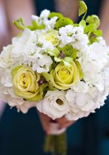 220x220 1297464619155 bridesmaidsbouquet