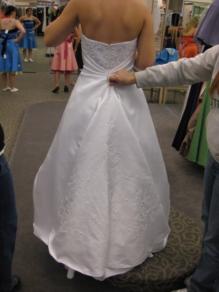 Affordable bridal alterations vancouver wa wedding dress for Cheap wedding dresses vancouver