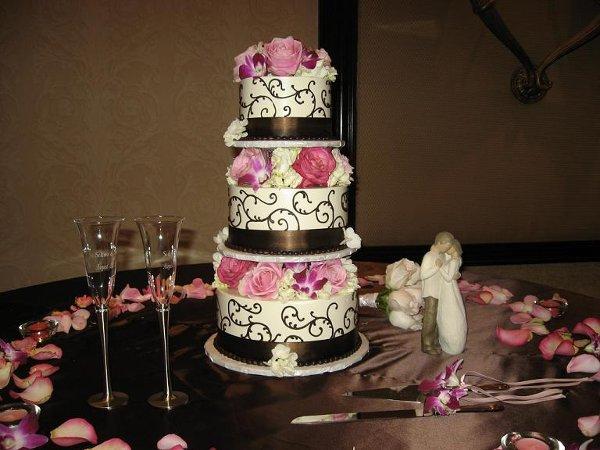 jamaica 39 s cakes reviews los angeles cake bakery. Black Bedroom Furniture Sets. Home Design Ideas