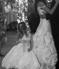 220x220 1281935613619 wedding4