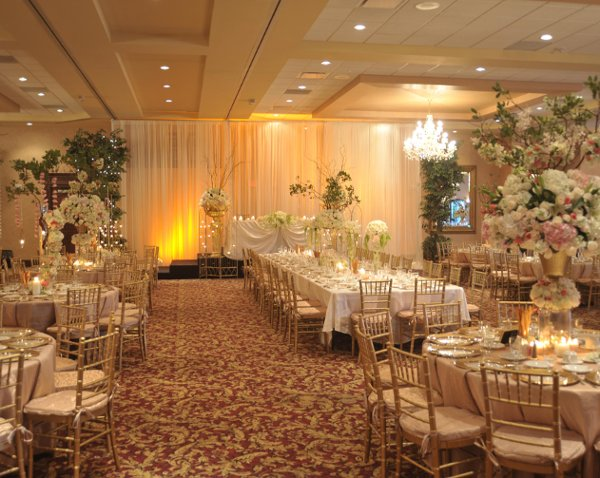 Crystal Gardens Banquet Conference Event Center Southgate Mi Wedding Venue