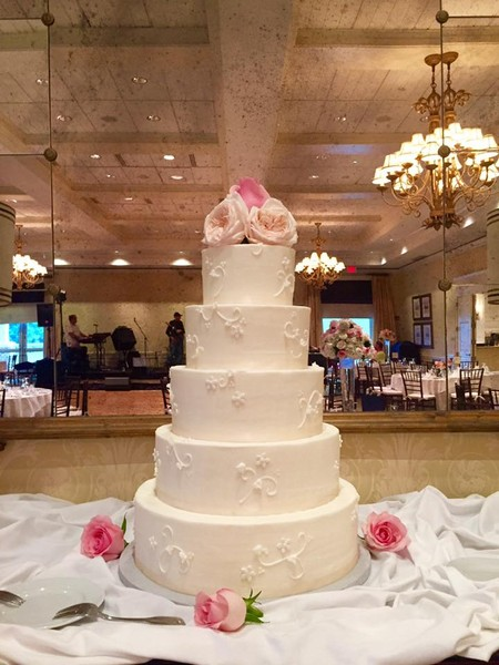 wedding cakes in richmond va edibles bakery end catering richmond 24762