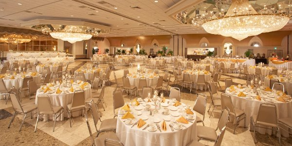 600x600 1345572100666 weddingreception2roomsideseta