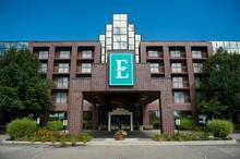 220x220_1408032151561-01-hotel-exterior