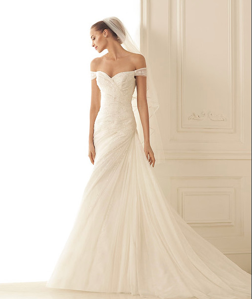 Gowns by design dress attire mechanicsburg pa for Wedding dresses harrisburg pa
