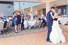 220x220_1406401343484-taryn-travis-married-wedding-sneak-peek-0042-2
