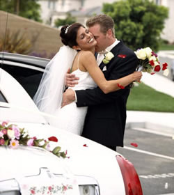 600x600 1502762656130 bride groom limousine