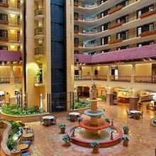 Kansas City Plaza Hotels - Embassy Suites Plaza