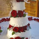 130x130_sq_1295302386898-weddingcakeredroses