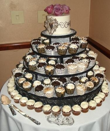 1244213049359 Cupcakes Danvers wedding cake
