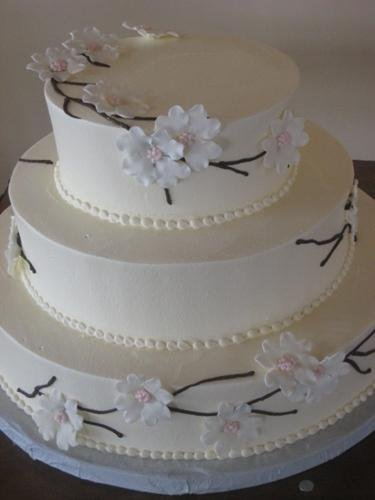 1244213050125 Dogwoods Danvers wedding cake