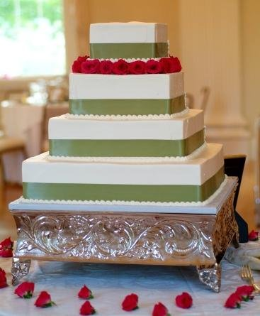 1244213057375 Squareribbon Danvers wedding cake