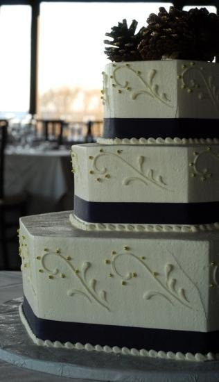 1244213552484 Hexagon Danvers wedding cake
