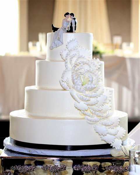 1358807528666 Customribbon Danvers wedding cake