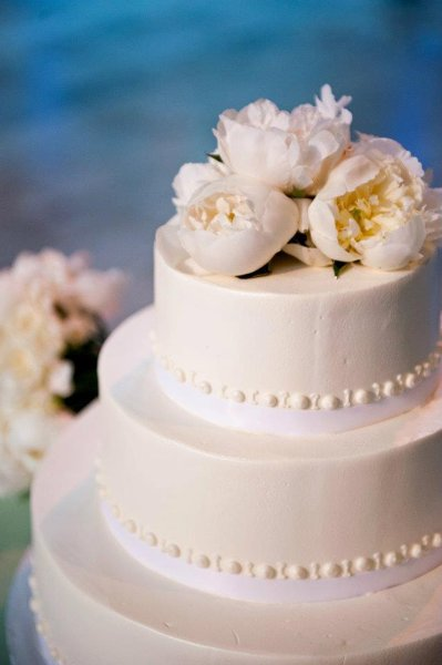 1358807540696 Freshflowers Danvers wedding cake