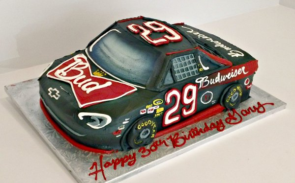 1358808835897 BudweiserNascarRaceCarJ Danvers wedding cake