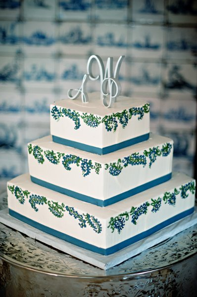 1358809357834 1002 Danvers wedding cake