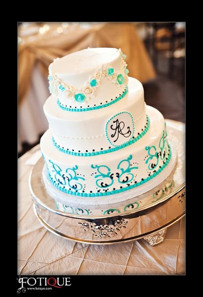 1358809376712 AngelaWebbweddingcake2 Danvers wedding cake
