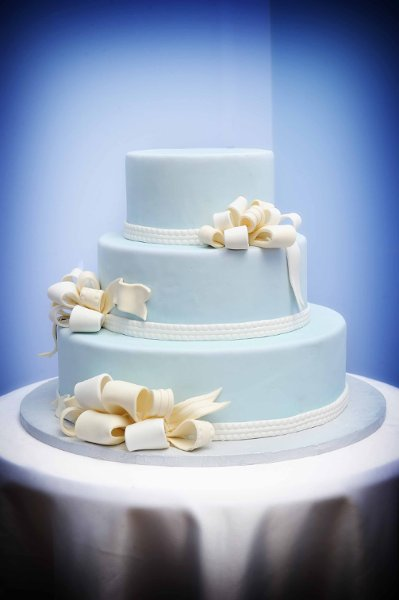1358809379862 Bharatcakes032 Danvers wedding cake