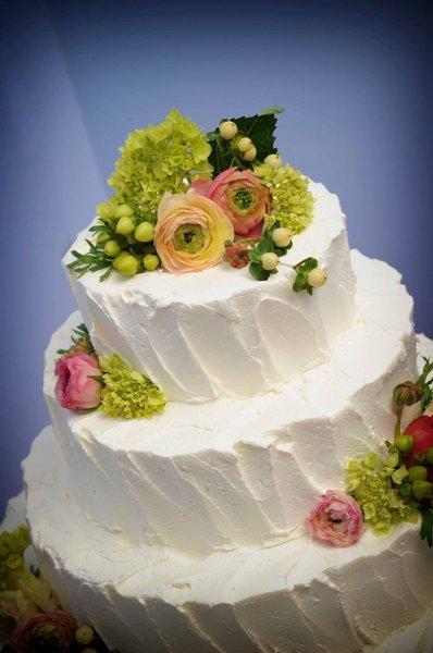 1358809408435 Bharatcakes057 Danvers wedding cake