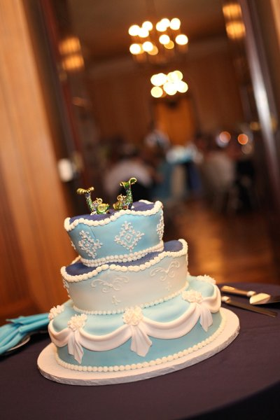 1358809451370 FINNEGAN0730 Danvers wedding cake
