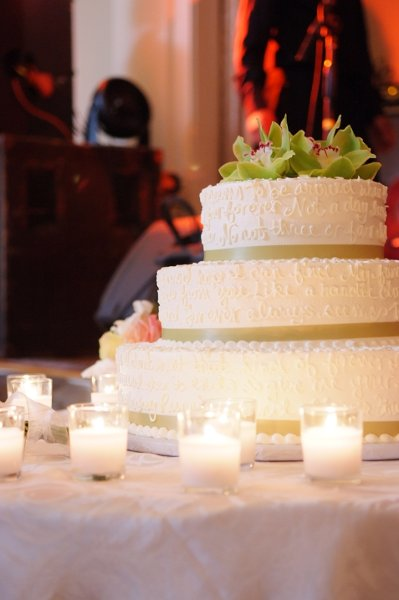 1358809457590 Nikkidattoli526 Danvers wedding cake