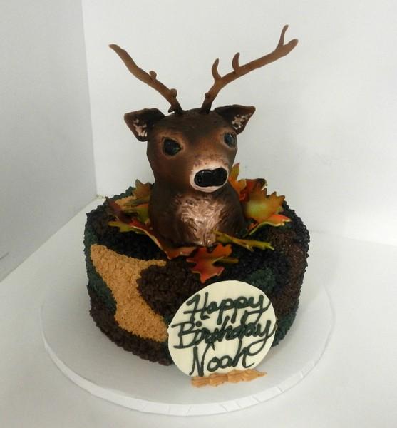 600x600 1478713642758 deer and camo cake