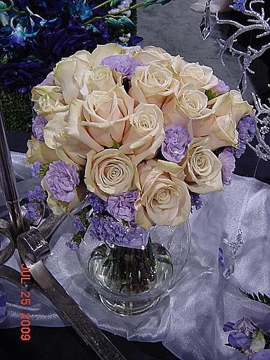 1250363617354 Kcwbs070936 Blue Springs wedding florist