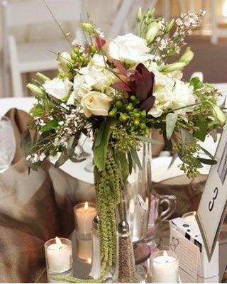 1289608987085 Schlicht3 Blue Springs wedding florist