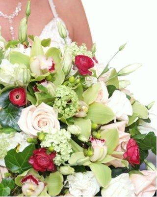 1289608992382 Schlicht7 Blue Springs wedding florist