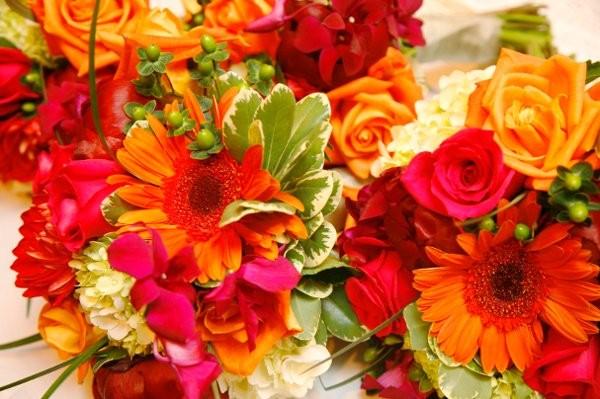 jones the florist flowers cincinnati oh weddingwire. Black Bedroom Furniture Sets. Home Design Ideas