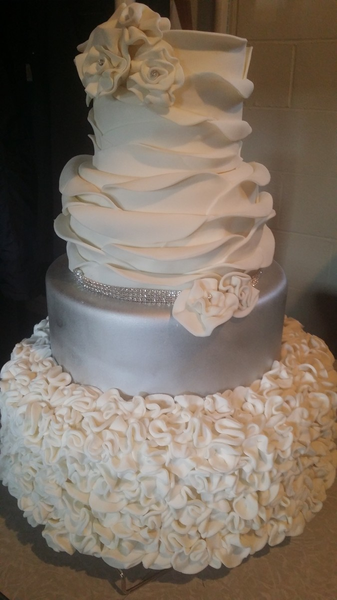 wedding cakes pittsburgh cakes by tammy wedding cake pittsburgh pa weddingwire 25287