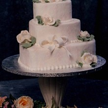 Lovin Oven Cakery Wedding Cake Antioch Il Weddingwire