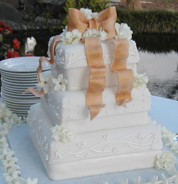 wedding cakes maui hawaii wedding cakes kihei hi wedding cake 25001