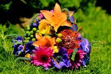 220x220 1371847757818 shannons bouquet