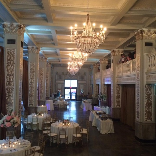 The cadre building memphis tn wedding venue for Wedding dress rental memphis tn