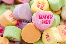 220x220 1412979627299 candyheartmarryme