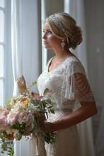 220x220 1431400975915 gateway bridal 20140033