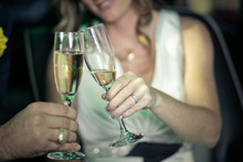 220x220 1476893363572 champagne img 1049392 1237