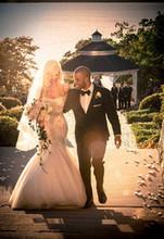 220x220 1453919305 1b65b748078fc6f3 1453825597576 couple just married