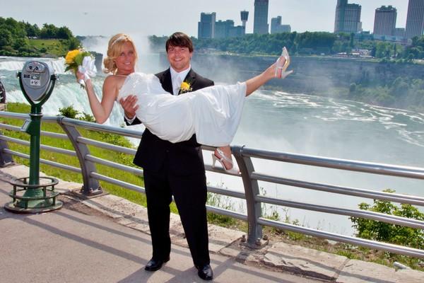 Wedding Flowers Niagara Falls Ny The Chapel Venue
