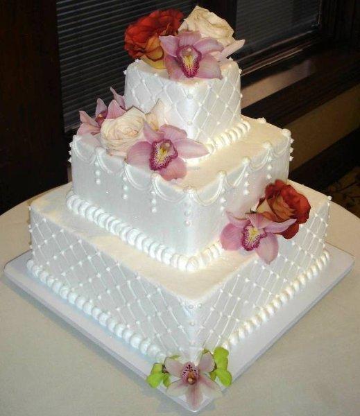 29 Wedding Cakes With Vintage Vibes: Columbus, OH Wedding Cake