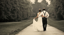 220x220 1455236246 be3d7c6262cf24f8 wedding photostock1