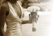 220x220_1343068738469-bridal